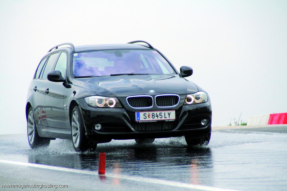 BMW 330i Touring (E92) xDrive