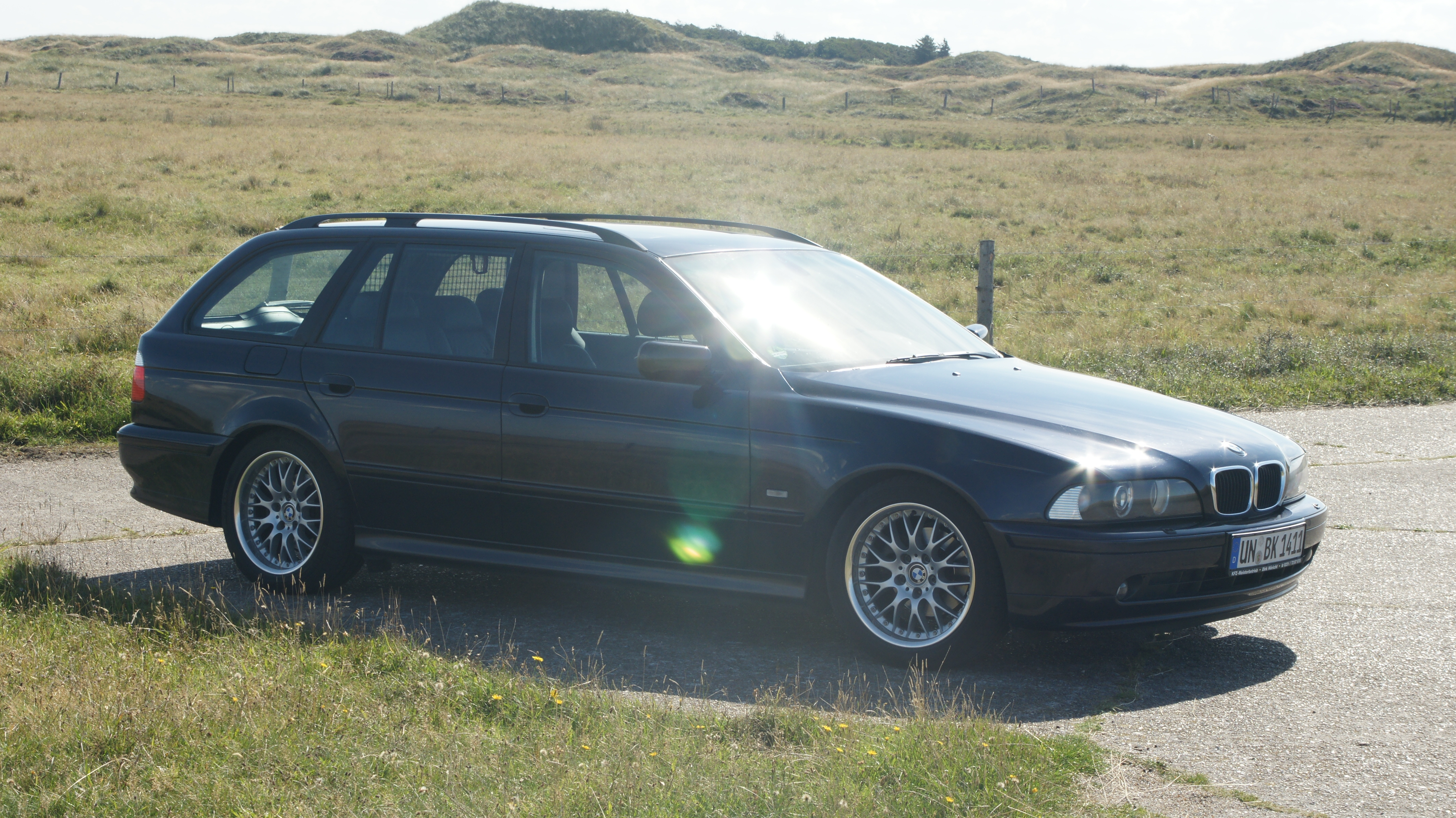 BMW 525i (E39)