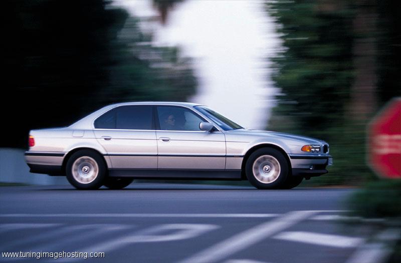 BMW 740iL (4.4) (E38)