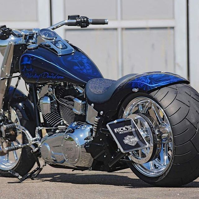 """Harley Davidson Custombikes on Instagram: """"TAG your own one-of-a-kind, customized Harley-Davidson ride using ? @harleyshowroom ?  to have your chance to see it on this site❗️…"""""""