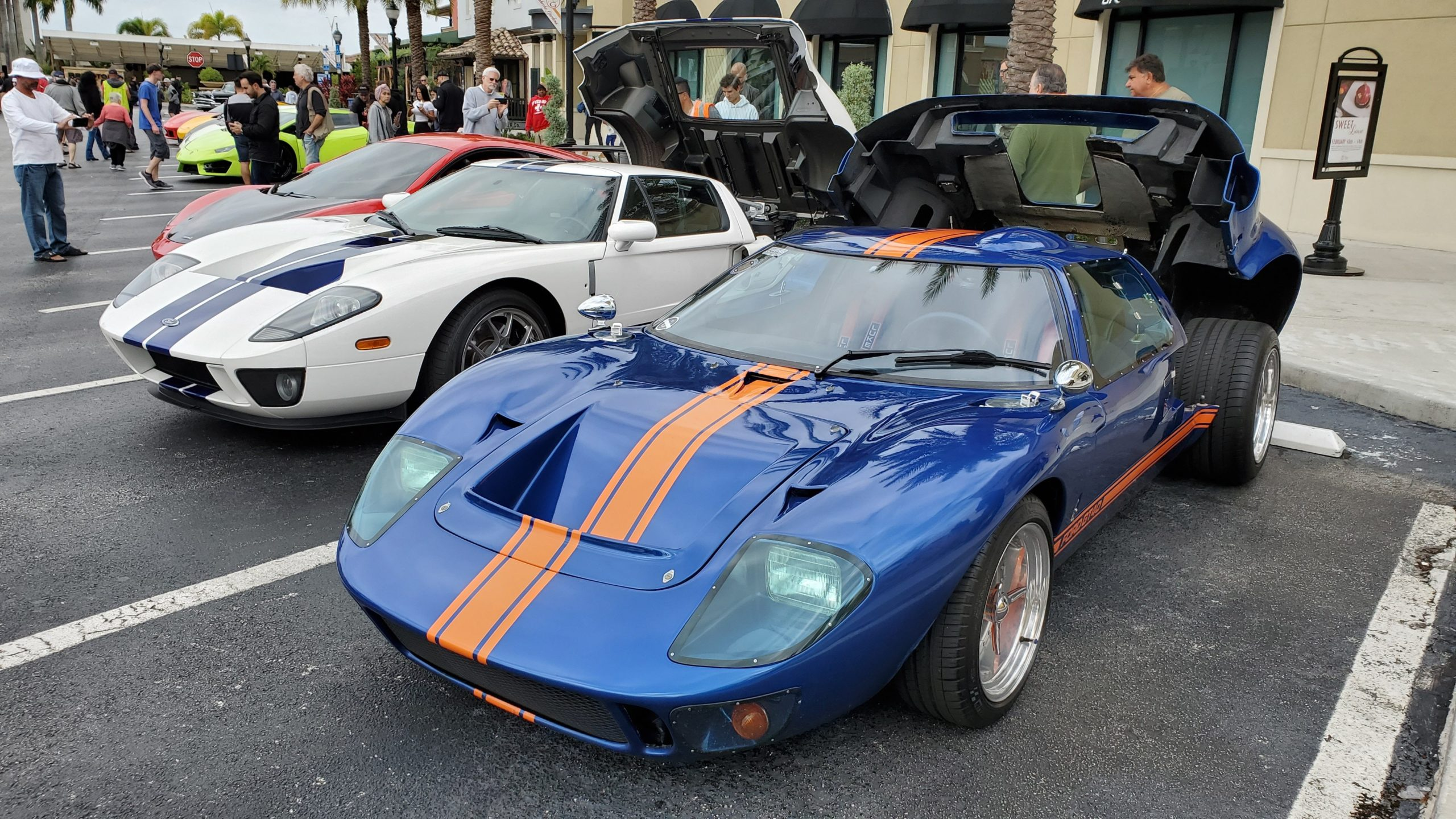 A Ford GT40 next to a Ford GT. It's wild how short the GT40 is