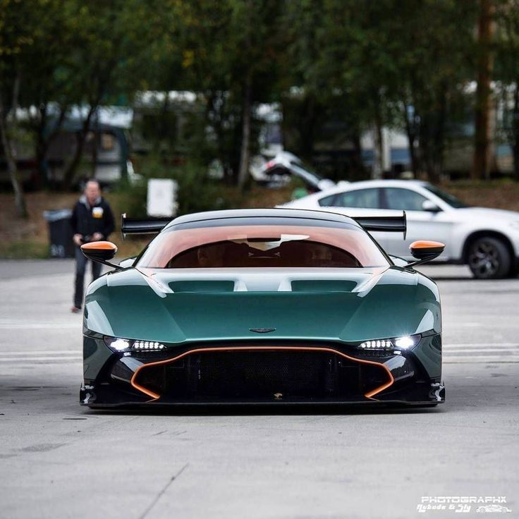 Aston Martin Vulcan : carporn