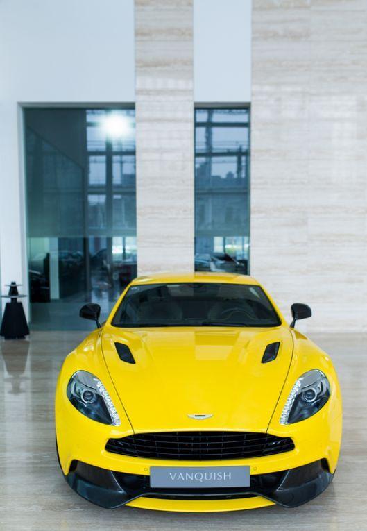 Aston Martin – image