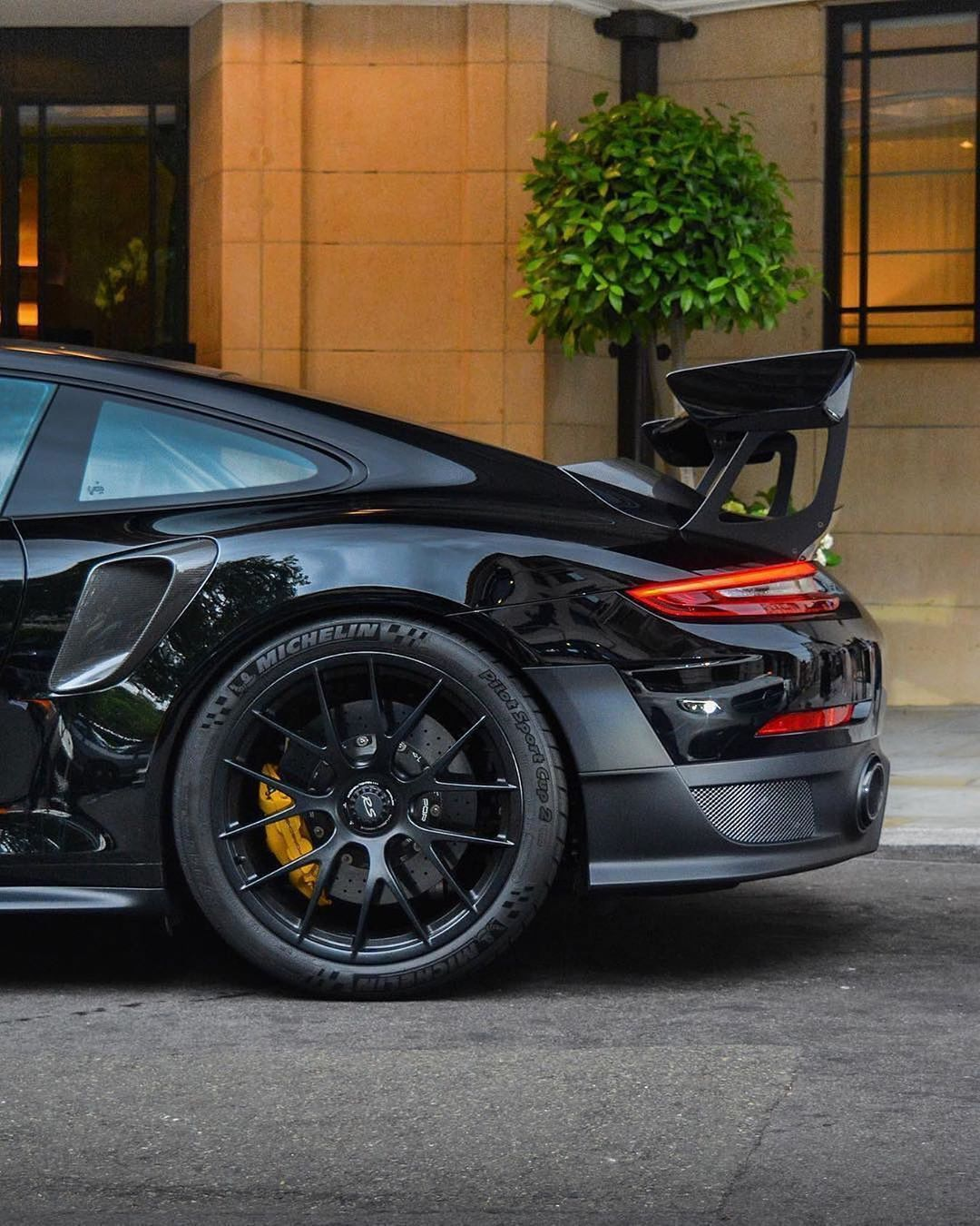 ⚫️ GT2 RS on Black Mags Tom Hayes.p