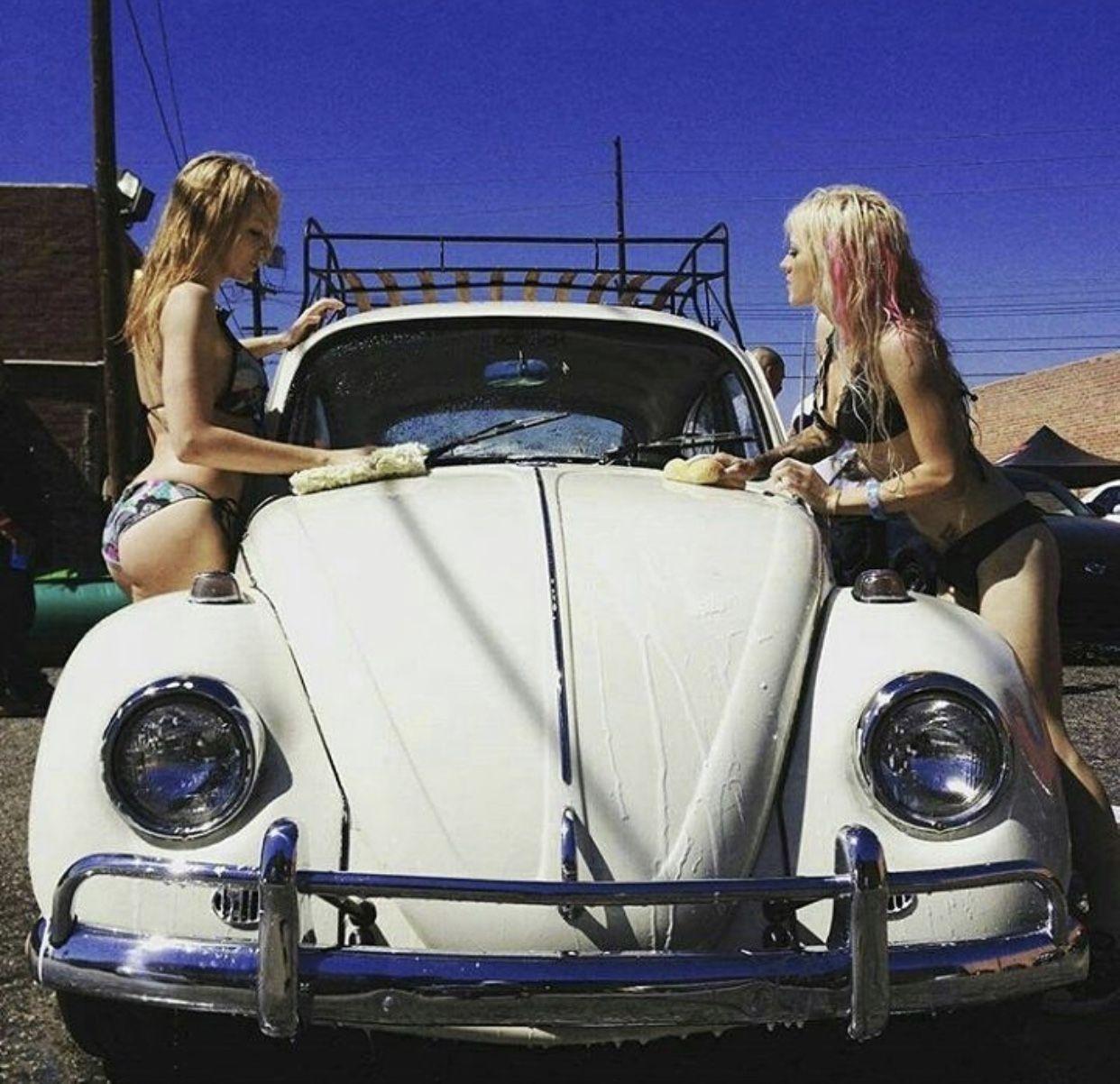 Volkswagen Beetle Girl (ô_!_/ô)
