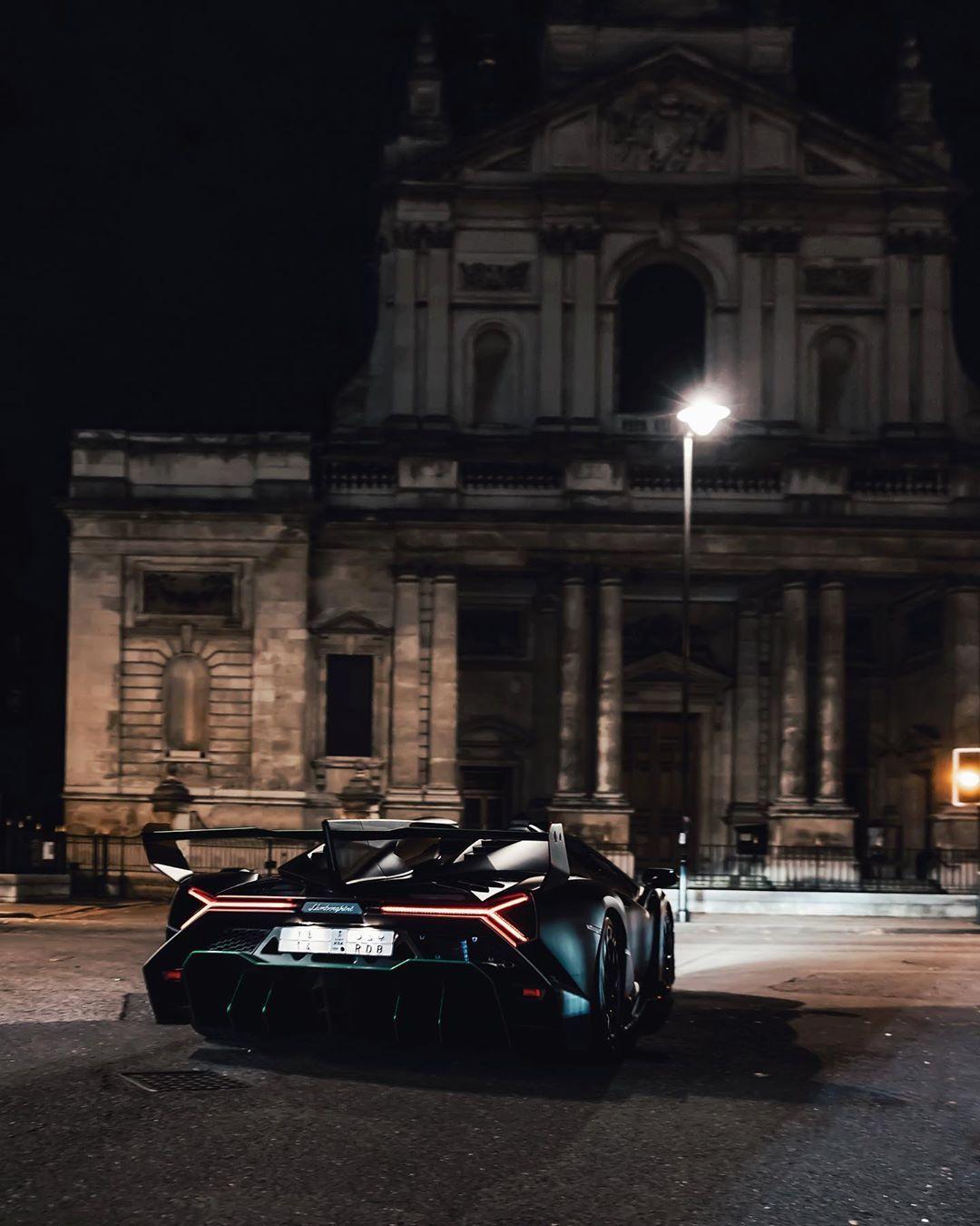 "TFJJ on Instagram: ""Veneno Roadster by night ? @b14   #lamborghini #veneno #roadster"""